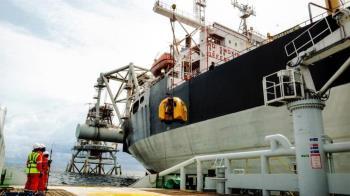 第一船原油回來了 中油挖到95萬桶運抵高雄