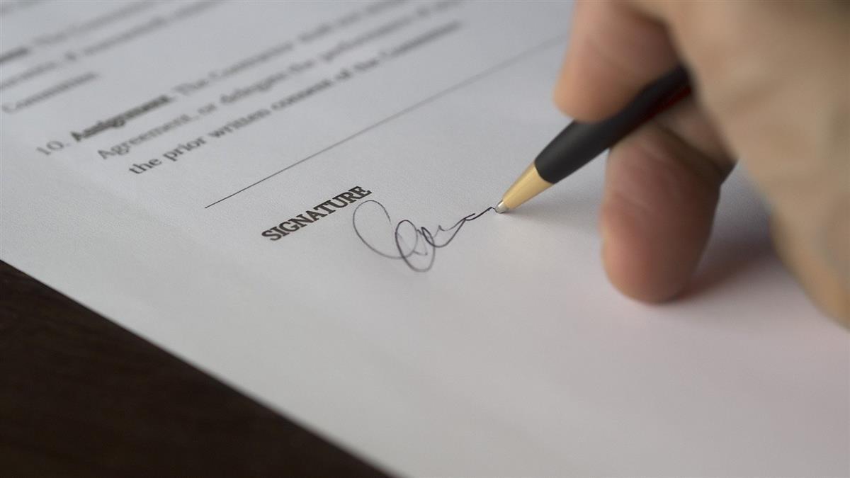 婚期剩1個月!準岳母逼簽超壓榨「婚後契約」網全瘋喊快退婚