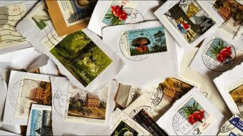 郵局高官貪污成「億萬富翁」!私吞13萬枚郵票轉賣遭逮