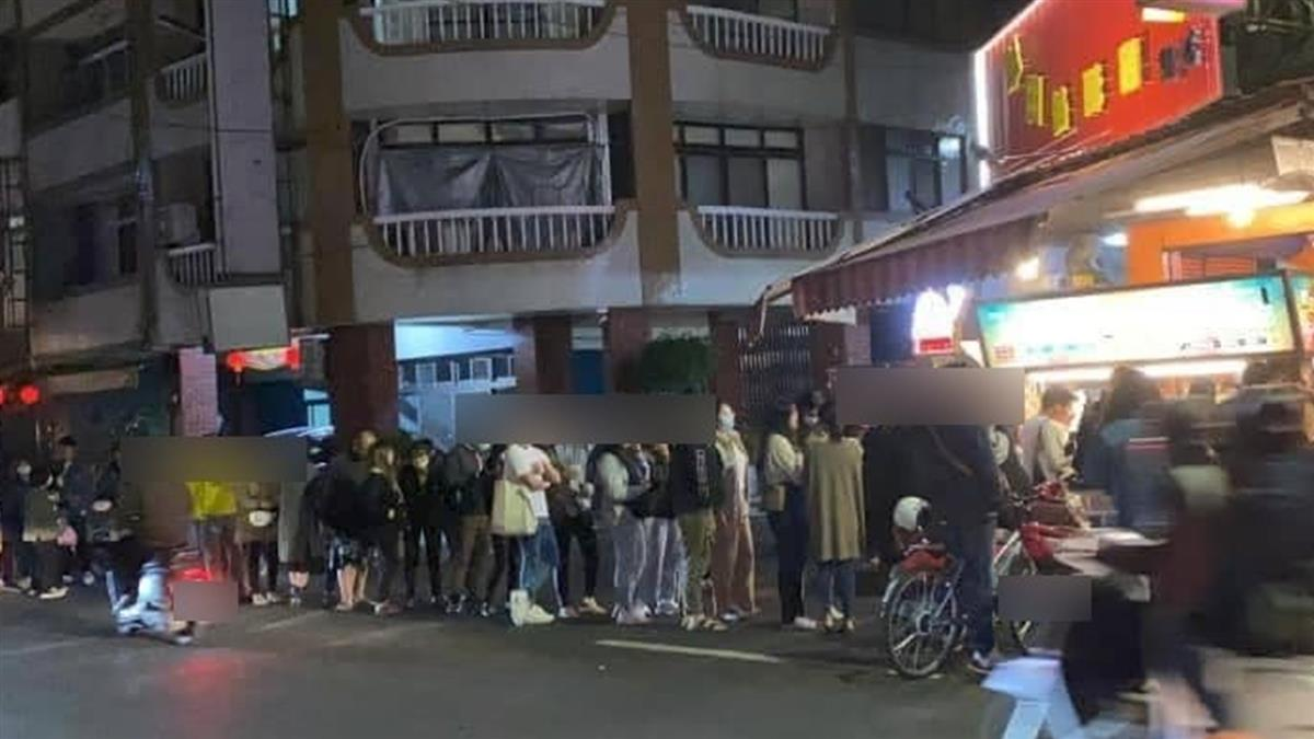 建醮吃素7天解禁!埔里人買爆炸雞店 隊伍排到馬路上