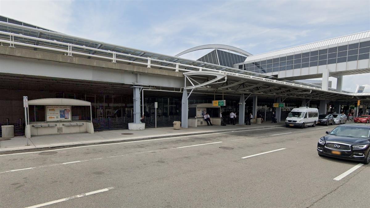 快訊/俄航傳炸彈威脅!紐約機場一度緊急關閉跑道