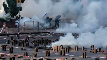 《佔領立法會》和《理大圍城》:敏感氣氛下求存的香港政治電影