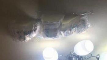 天花板漏水不停 網友祭出「接漏神器」引熱議