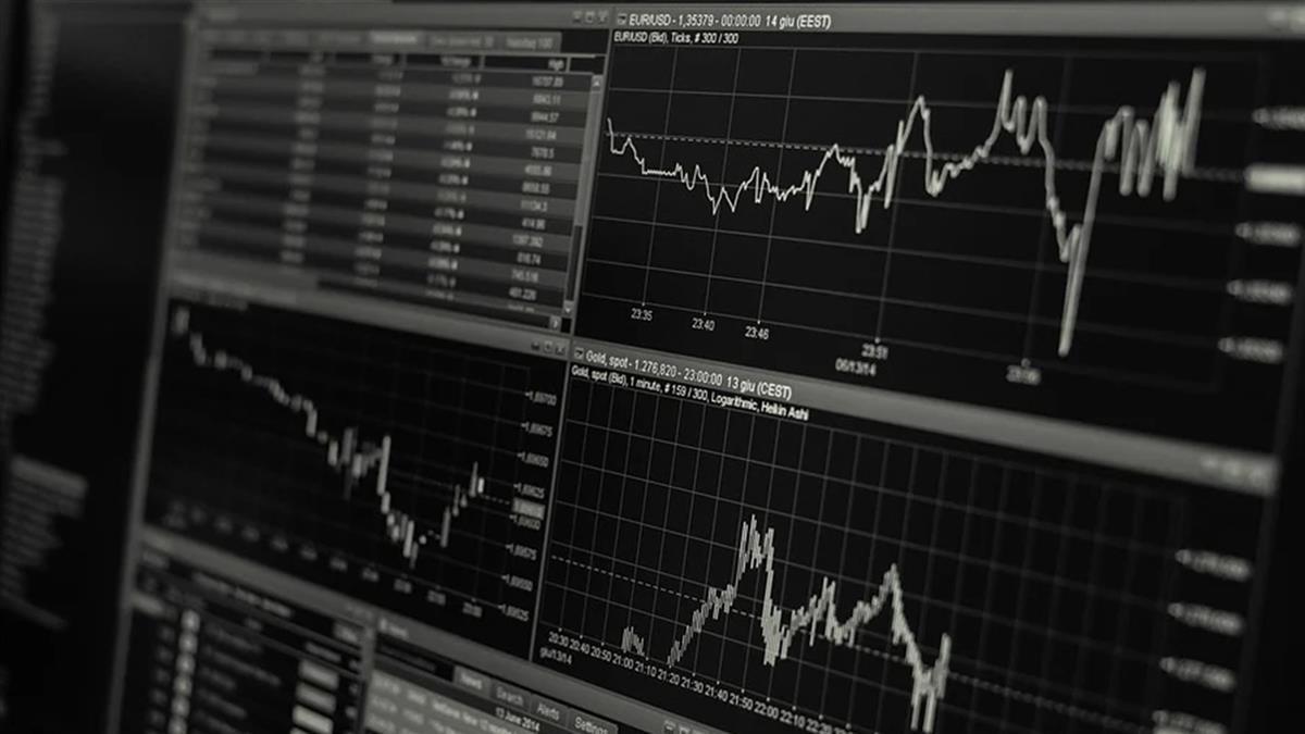 紓困方案進度停滯、臉書股價下跌 美股收黑