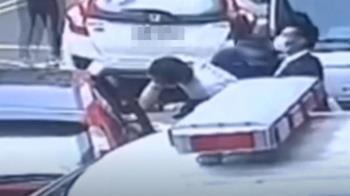 通緝犯沒上銬還握手機 警認疏失急追3車4共犯