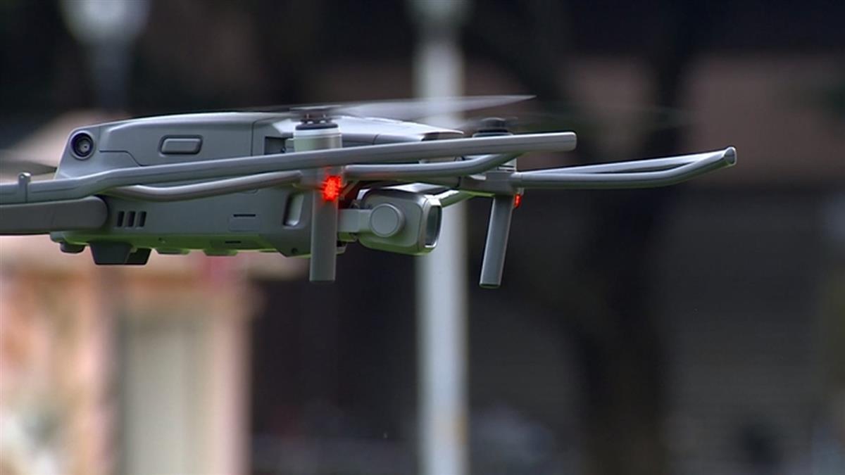 獨/偷拍?空拍機朝「住家」拍逾30秒 民航局:最高罰150萬