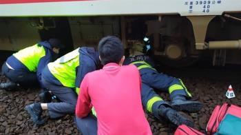 快訊/羅東爆旅客墜軌意外!婦人遭普悠瑪撞上卡車底