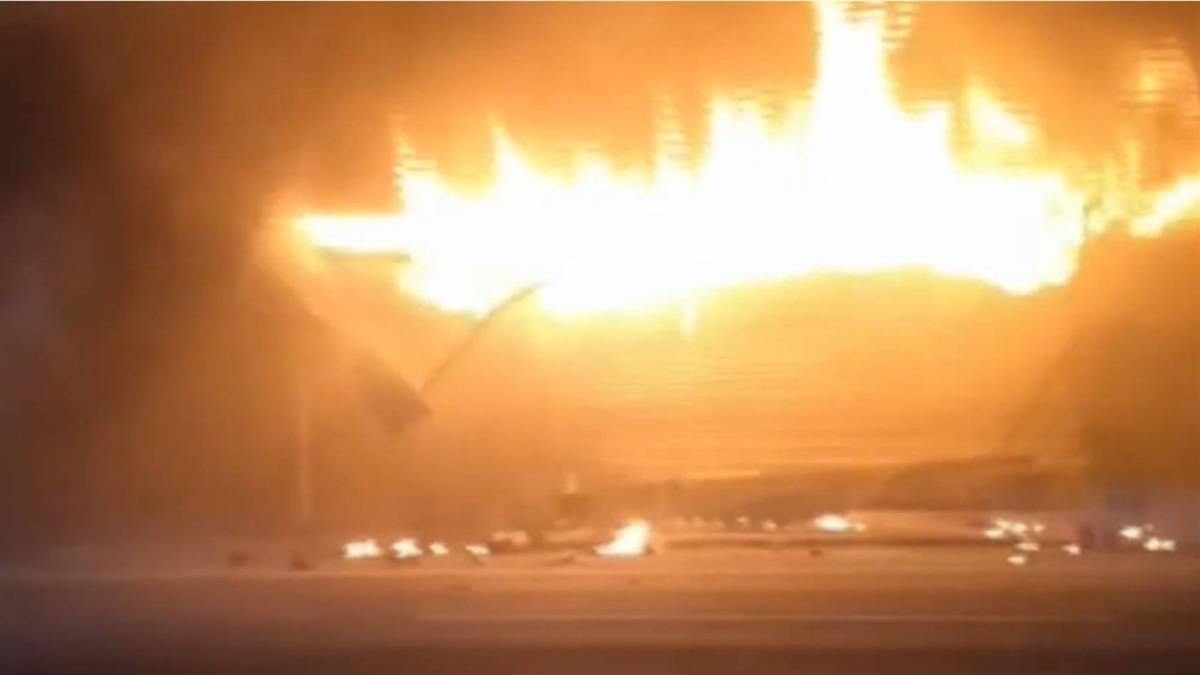 南投名間鐵皮倉庫火警 爆炸聲不斷民眾驚嚇