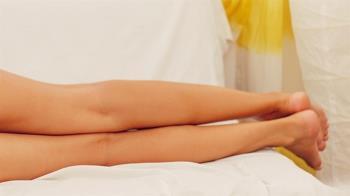 裸照被男友出賣買公仔折1500 嫩妹打開電腦崩潰:被散播了?