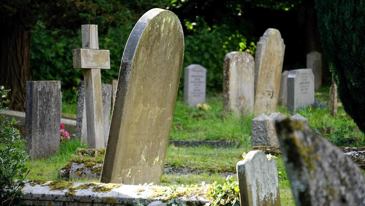 熱心解繩抱下上吊死者 20歲禮儀師1月後「複製死法」亡