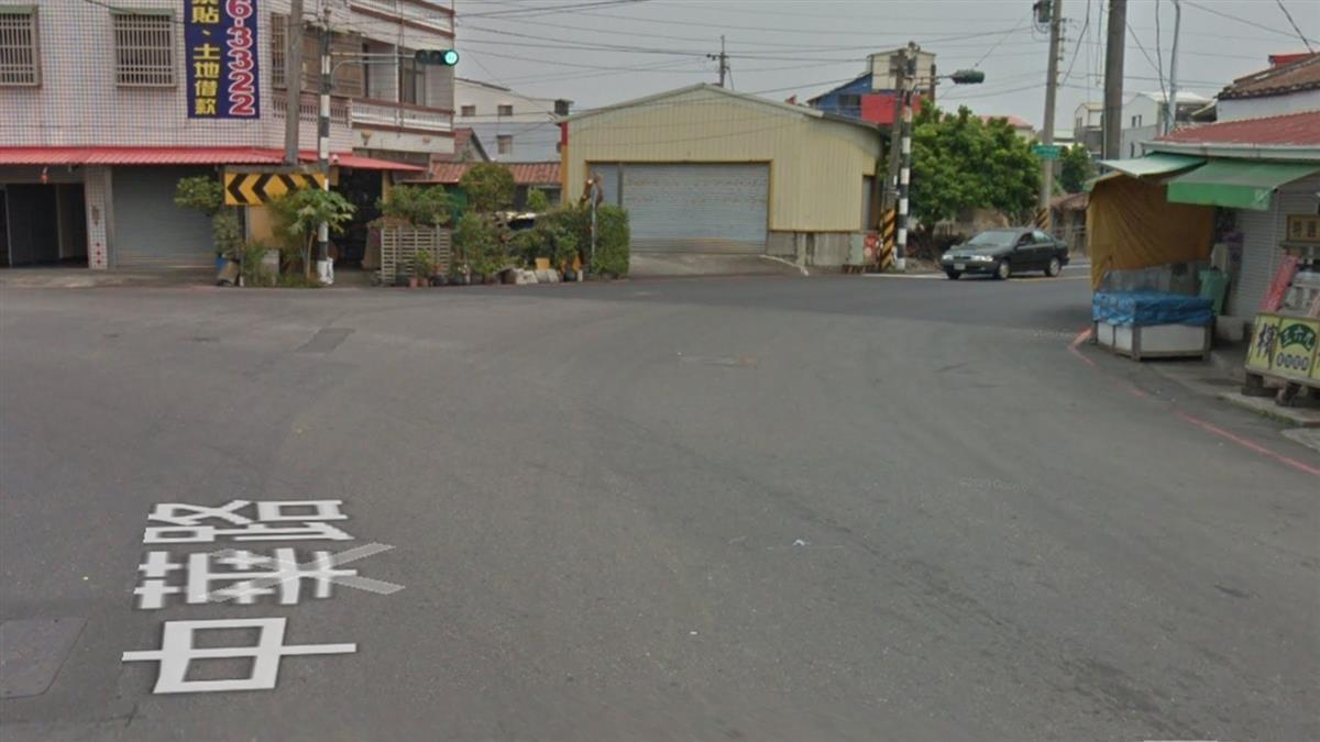 台南嬤推7月大孫過馬路 嬰兒車遭撞噴飛8米遠