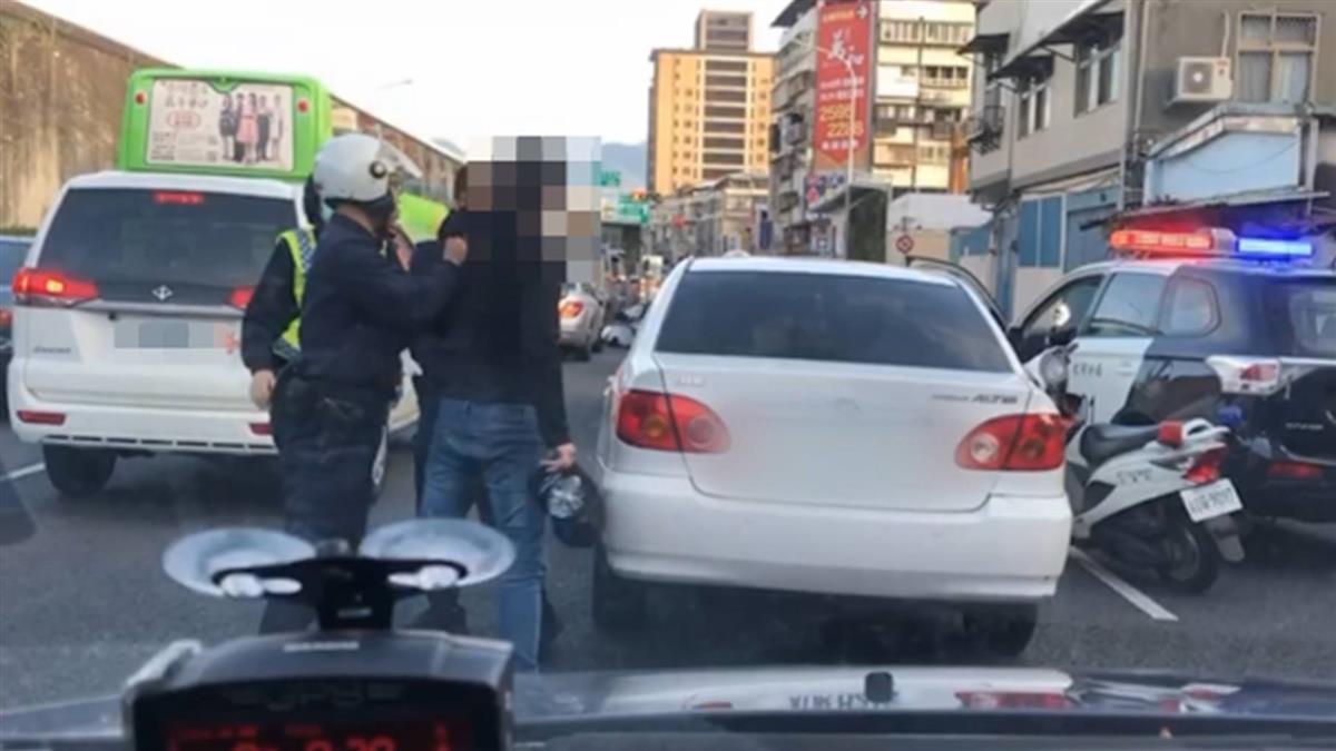 獨/酒駕拒檢還夾傷女警 台北男狂逃2公里遭逮慘了