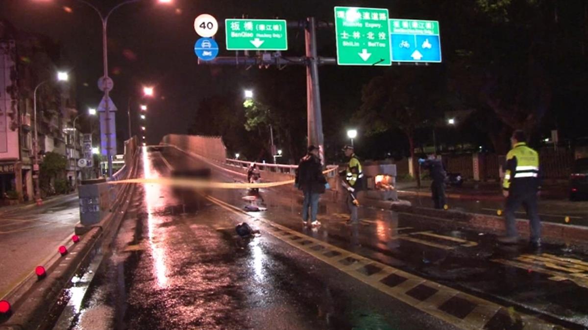 華江橋重機自撞護欄!騎士噴滑100m亡 安全帽爆裂
