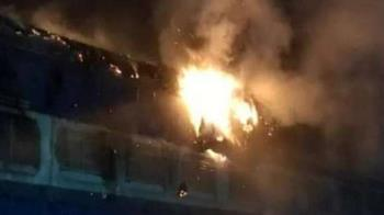 爬火車自拍!13歲屁孩觸電燒成焦屍 整台列車全毀了
