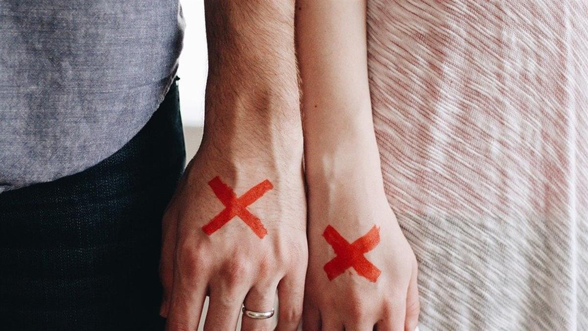 公開向女友求婚!男星結婚11個月閃離:說不出新婚快樂