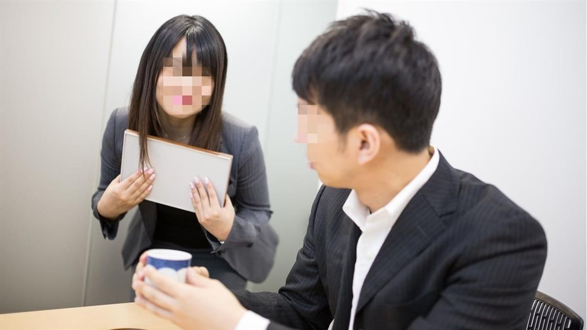 她被欠薪3個月還「幫還高利貸」老闆消失10年不認帳:忘了
