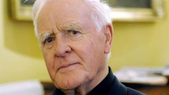 英國間諜小說大師勒卡雷辭世 留下豐富文化遺產