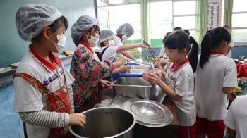 萊豬引爭議!蘇貞昌:國中小營養午餐全用國產肉品