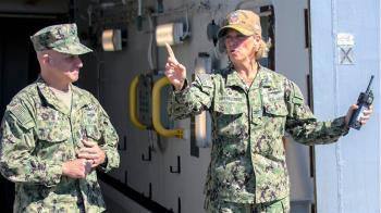 美軍任命史上首位航艦女艦長 將負責指揮林肯號