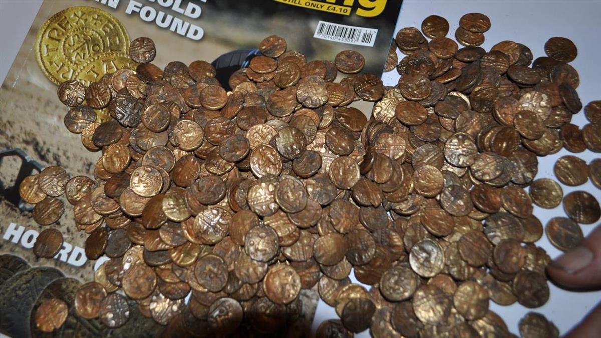 賞鳥驚見土裡發光!他挖出千枚「凱爾特金幣」 價值3100萬