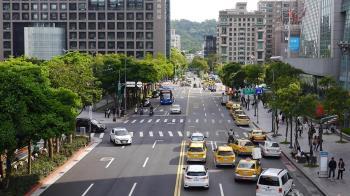 西區辦公樓新高價「皇翔中山」每坪114.9萬  捷運聯開辦公崛起