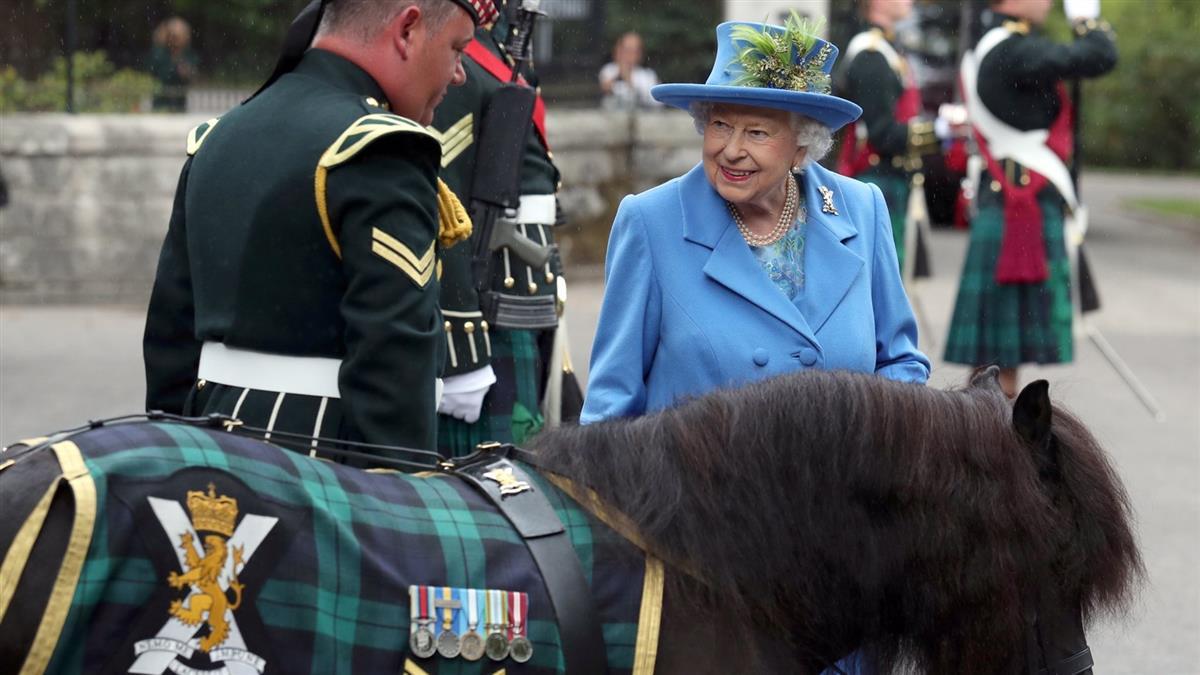 深偽英國女王大跳熱舞 英電視台以假亂真引論戰