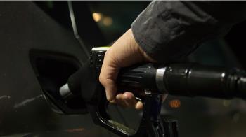 加油要快!汽柴油連5漲 28日起各漲0.7與0.6元