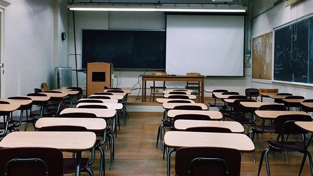 國高中改9點半到校吵翻 他細數各國上課時數:台灣最血汗