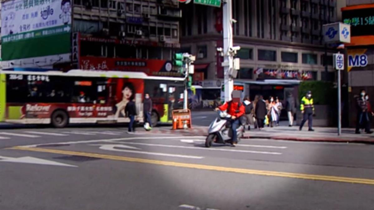 獨/「前方無路+禁止左右轉」 北車前路口各種交通亂象