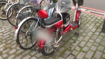 獨/違停拖整排只剩「電動自行車」 網友:沒車牌不拖?