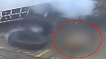 砰!疑充氣過度 汽修技師遭輪胎氣爆震飛倒地