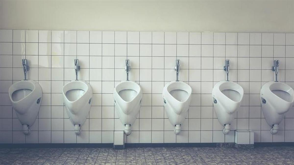 公司規定「一天只能上一次廁所」!員工凍未條 連上2次被罰錢