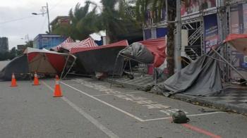「寒流+強風」路樹倒棚架毀 阿妹演唱會攤販帳篷被吹翻