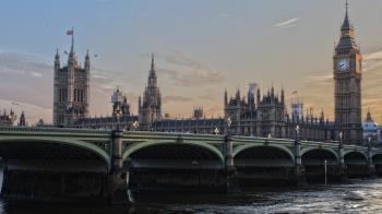 英格蘭2000萬人加入第4級警報 中學延後開學