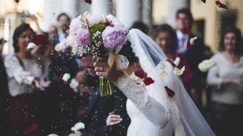 前任突現身婚禮祝賀 新娘秒淚崩狂跳腳