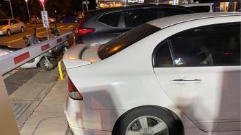 人妻超狂停車堵死全場!尪接警察來電 現身臉綠賠慘了