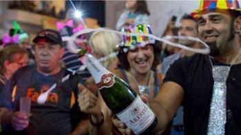 元旦:等到盛夏8月才慶祝「新年」的西班牙小鎮
