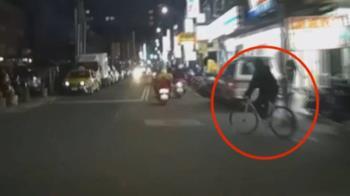 單車伯沒看路險撞 駕駛飆髒話 路口再遇爆爭吵