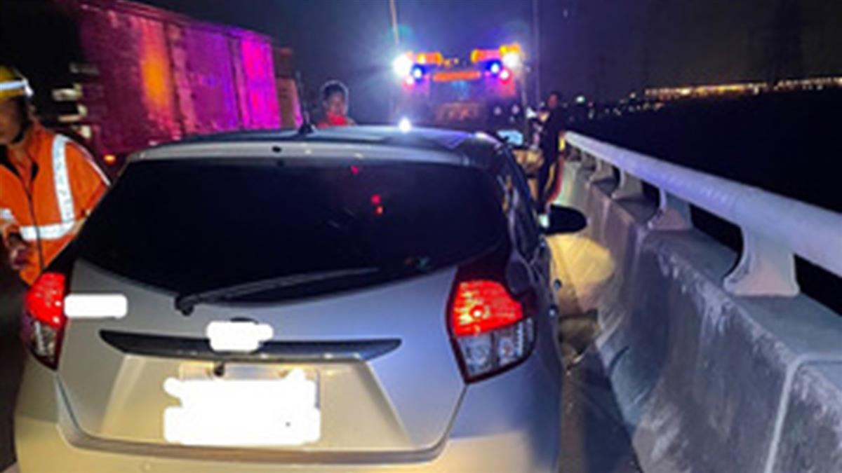 國道自撞護欄 39歲駕駛慘墜20公尺