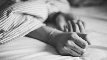 3男1女睡一床!情侶激戰換姿勢 男友挨告靠扣子逆轉