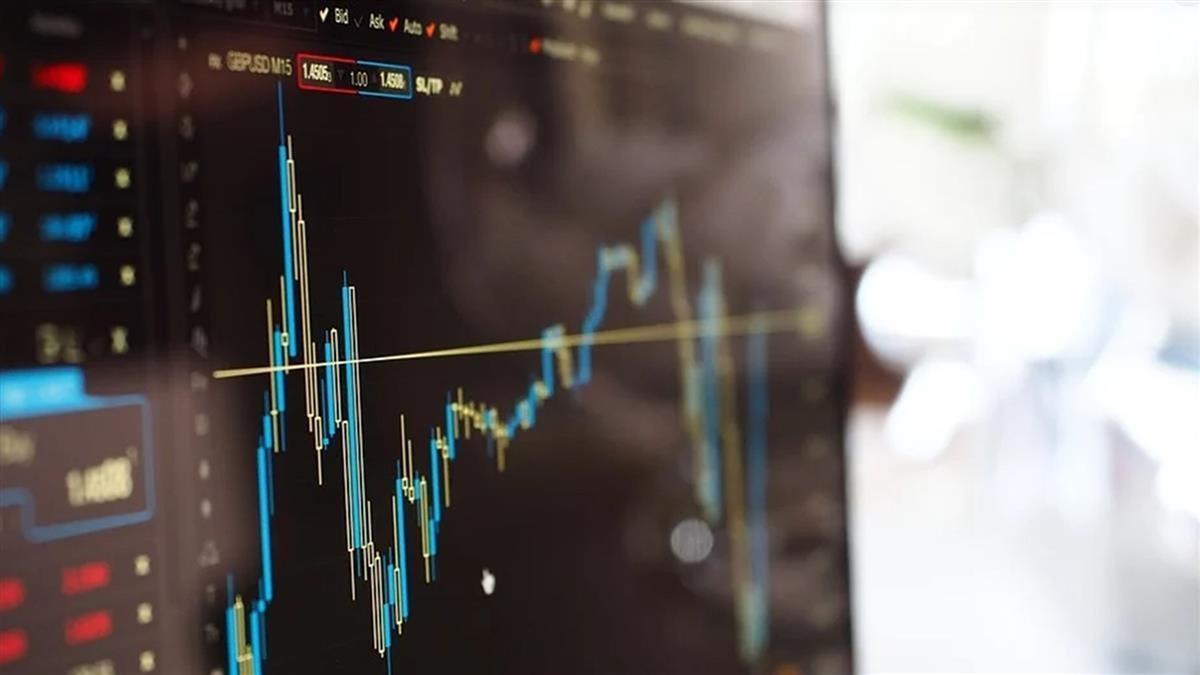 期待振興資金 美股3大指數創新高
