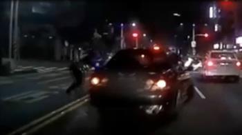 少年載女友拒檢衝撞!高雄警開12槍攔車 情侶遭逮慘了