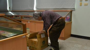 真理大學台文館無預警換鎖 82歲創辦人遭關門外吹冷風