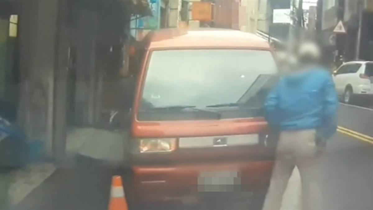 驚悚!男遭兩貨車夾殺撞 送醫僅皮肉外傷