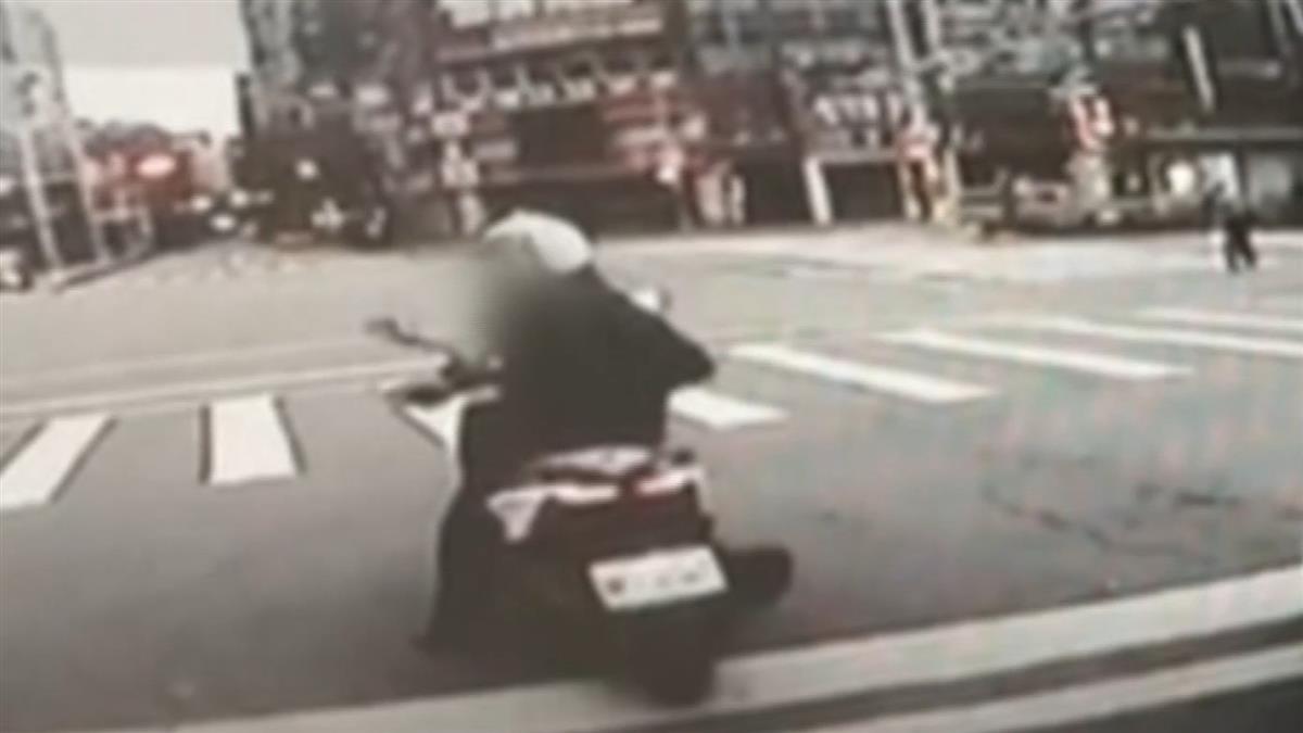 嫌機車太慢!公車司機竟抄鐵棍衝下車 下場超悲劇