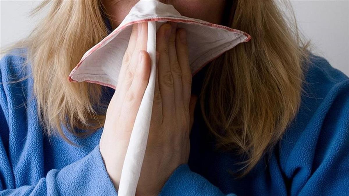 感冒過敏4個月!正妹主持人突無法呼吸 醫嚇傻:晚一步就氣切