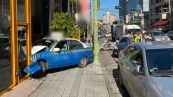 19歲男才出駕訓班 油門當煞車直撞婚宴會館