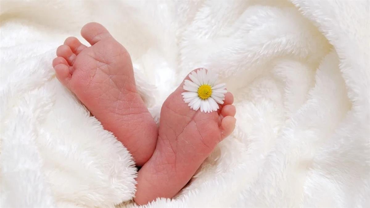 1歲嬰未戴口罩引爭議 醫師出面給答案
