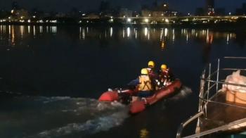 快訊/男大生跨年搭遊艇失蹤 遺體五股河岸找到了