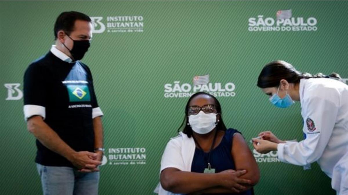 全球疫苗速報:巴西批准兩種疫苗使用 挪威施打疫苗29死